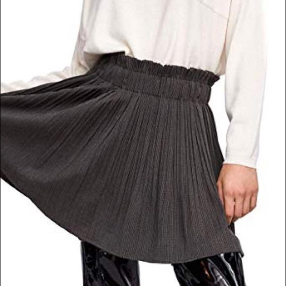 Zara Dresses & Skirts - Zara women's checkered pleated skirt